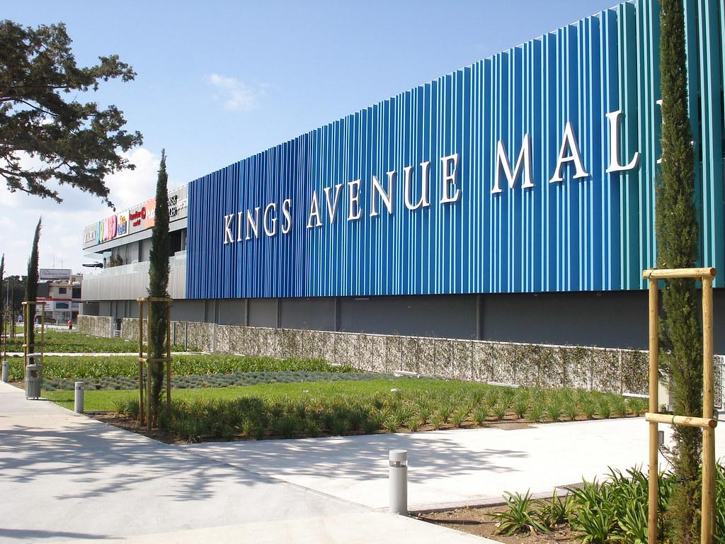 kings-avenue-mall-04